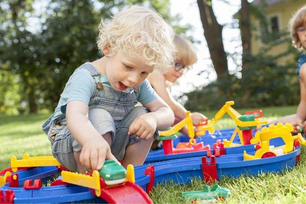 2歳のおすすめ知育玩具9選 | 楽しく遊べる人気商品を厳選