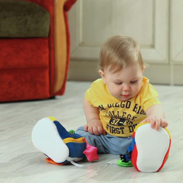 293a506dc6c541 「からだ」「こころ」「社会性」の3つのポイントでお子さまの発達を遊びながらサポートできるおもちゃを世に送り出しています。